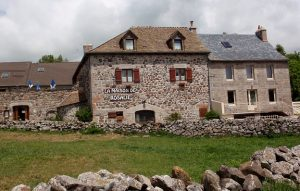 Randonnee tours offers cycling and walking trips in France