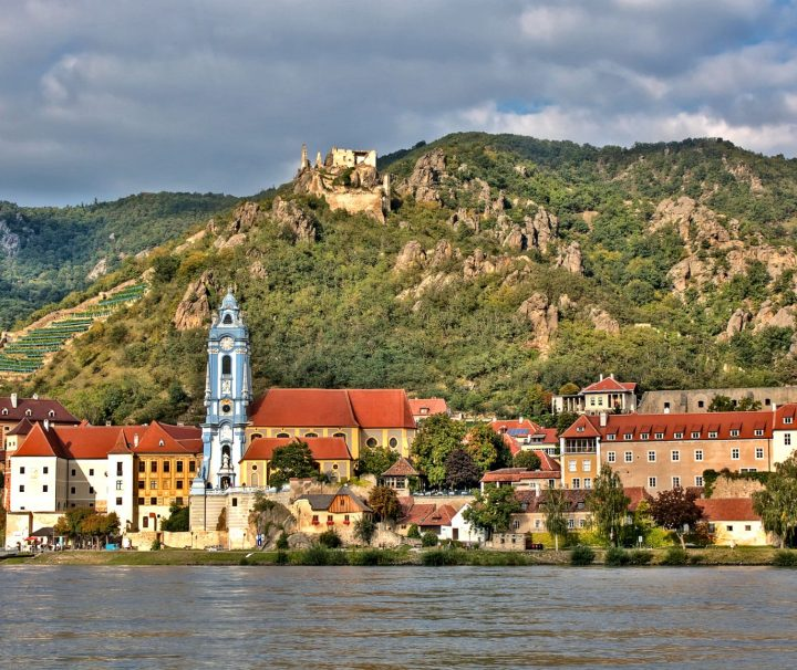 Randonnee tours offers cycling and hiking trips Between Prague and Vienna