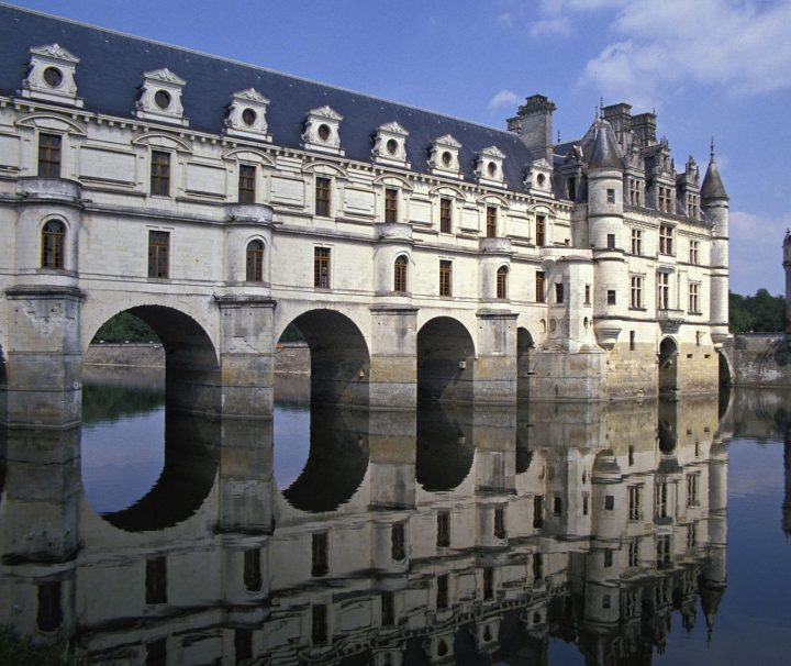 Randonnee Tours offers cycling and hiking tours in Loire Valley, France