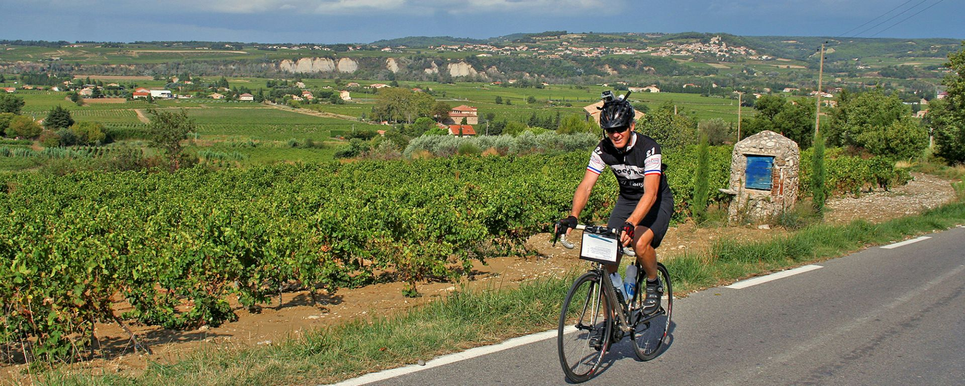 Randonnee Tours offers cycling tours in Provence, France
