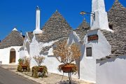 Randonnee Tours offers cycling and hiking tours in Italy, Puglia