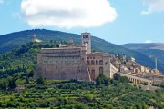 Randonnee Tours offers cycling and hiking tours in Italy, Umbria