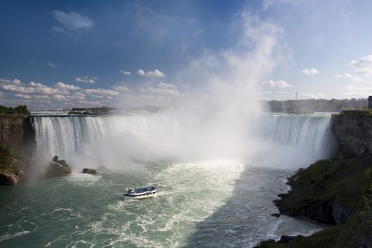 Randonnee Tours offers cycling and hiking tours in Ontario, Canada