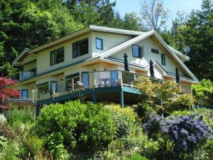 Randonnee tours offers cycling and hiking trips in the Gulf Islands