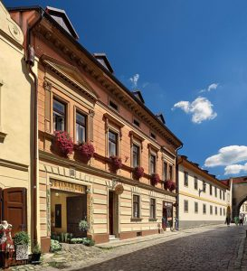 Randonnee Tours offers cycling tours from Prague to Vienna